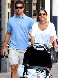 Bethenny Frankel with husband Jason and daughter Bryn