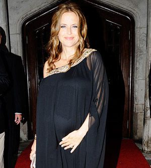 Pregnant Kelly Preston