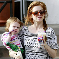 Isla Fisher and daughter Elula