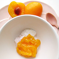 Apricot puree with yogurt
