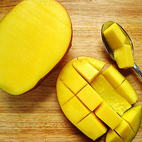 slice mango