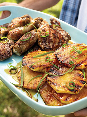 Spicy chicken with grilled pineapple