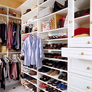 Better Homes and Gardens Closet