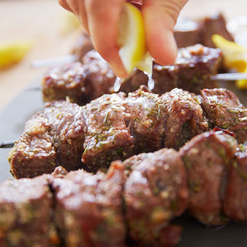 Garlicky Beef Skewers with Potato Hash: Step 4