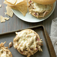 Pulled Chicken Suiza Sammies