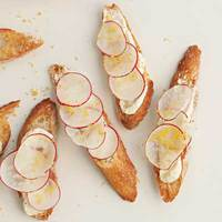 Ricotta-and-Radish Crostini