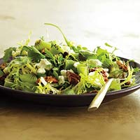 Kiwi, Goat Cheese & Toasted Pecan Salad