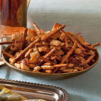 Snacks in a Snap: Honey-Bacon Snack Mix