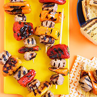 Sausage and Pepper Kebabs with Grilled Garlic Bread