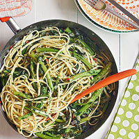 Linguine with Rabes and Parsley Pesto