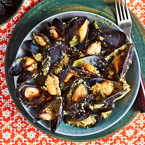 Dirty Martini Mussels