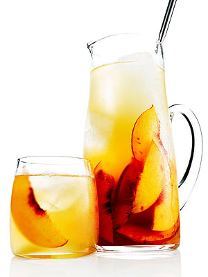 Bourbon and Peach Sweet Tea Punch