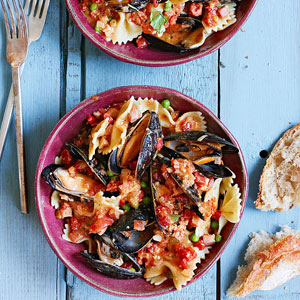 Pasta with Mussels and Vodka Cream Sauce
