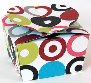 Make a Fabric Gift Box - Learn to Sew, Free Patterns, How To