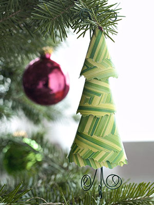MAKE PAPER-TREE CHRISTMAS ORNAMENTS