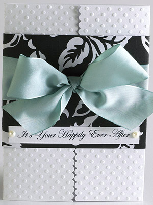 MAKE AN ELEGANT BOW THE FOCAL POINT