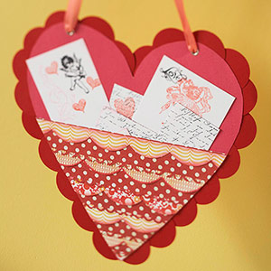 Scalloped edge red valentine pocket