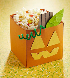 Make a Pumpkin Halloween Treat Bucket