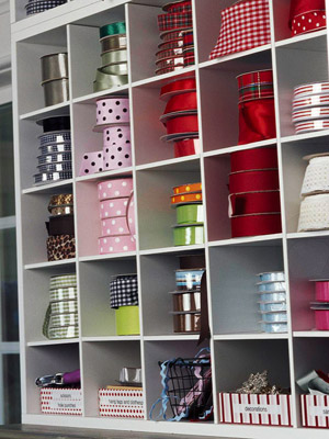 Inviting Ribbon Shelf