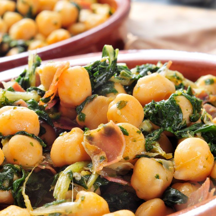 Whole-Wheat Shells with Chickpeas and Arugula