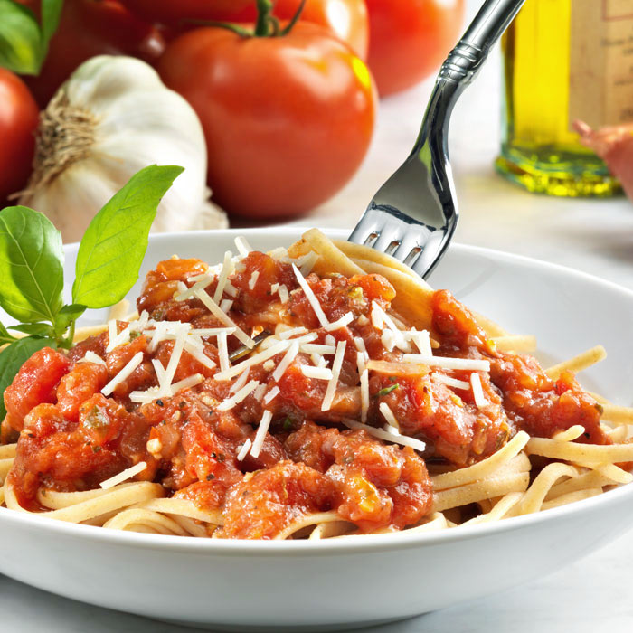 Whole-Wheat Linguine with Cherry Tomato Sauce