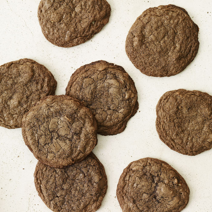 Low-Calorie Sweet and Spicy Chocolate Chile Cookies