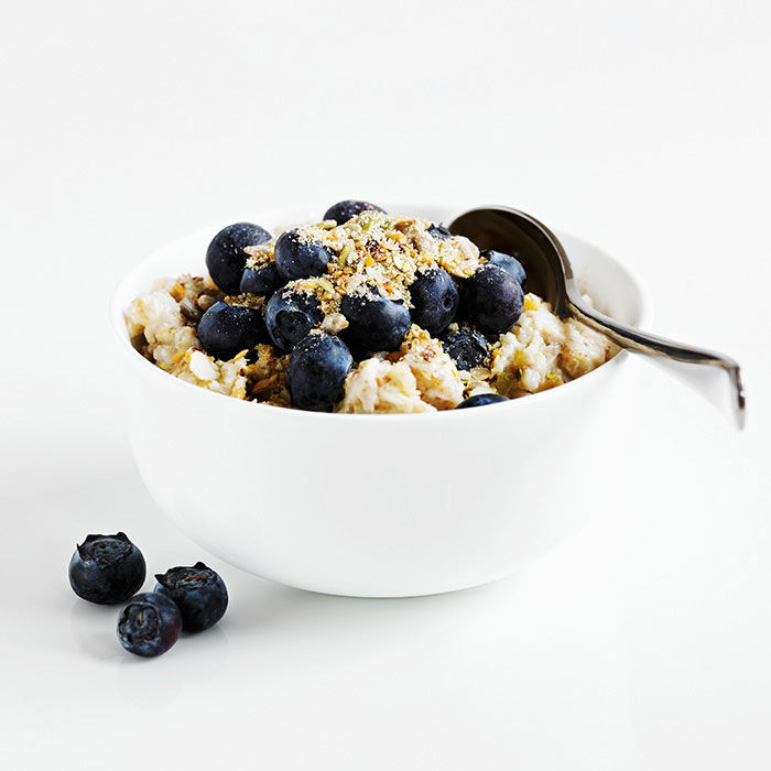 Easy Blueberry Coconut Oatmeal