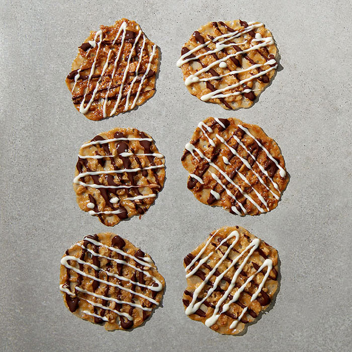 Chocolate Lace Cookies With Sunflower Seeds and Oats