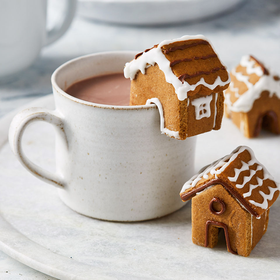 These Mini Gingerbread Houses Are Almost Too Cute for ...