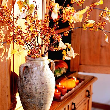 FallandHoliday04_Pottery Vase With Bittersweet