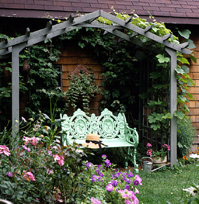 Simple garden arbor for Build your house online