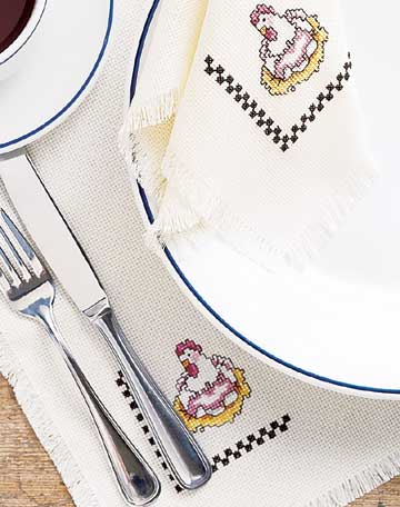 Hen Place Mat and Napkin