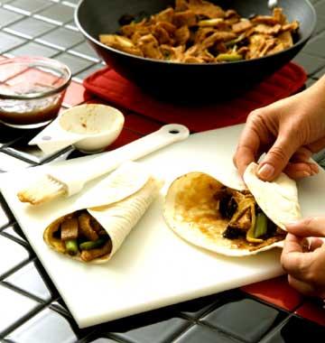 Preparing Moo Shu Pork