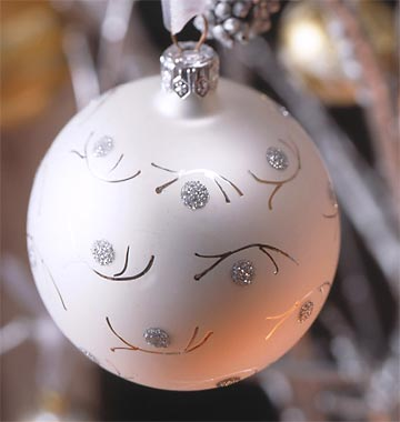 Glitter-Dotted Christmas Ornament