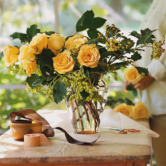 16 Rose Arrangements Easy Flower Arrangements From Bhg Com