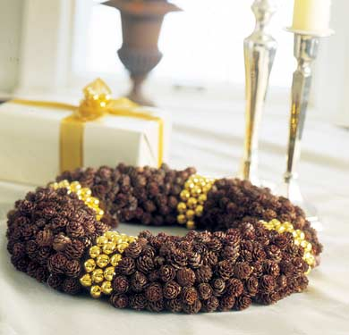 Pinecone Tabletop Wreath