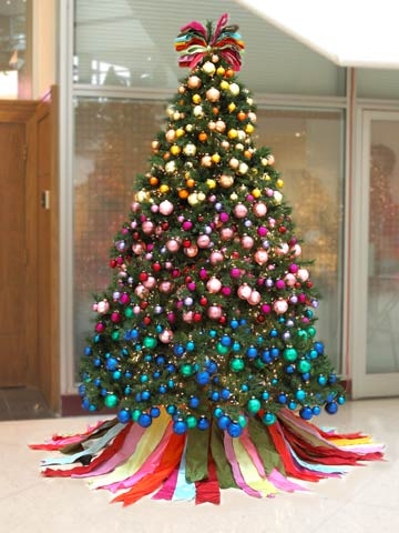 a festival of christmas trees - Different Ways To Decorate A Christmas Tree