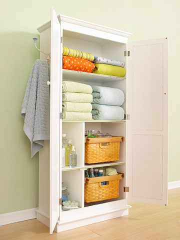 Easy Storage Project: Customized Linen Closet
