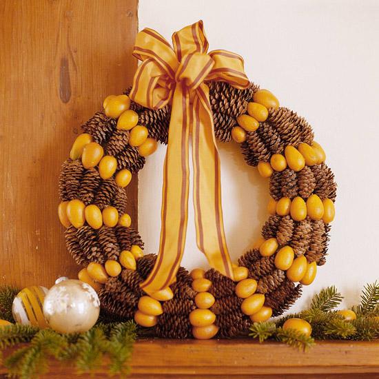 Make a Welcoming Autumn Wreath