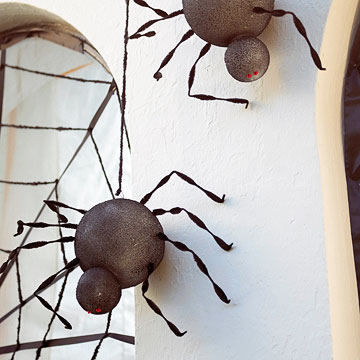 Simple Spider Decorations