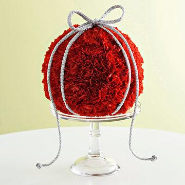 Holiday Decor: Fresh Flower Ornament