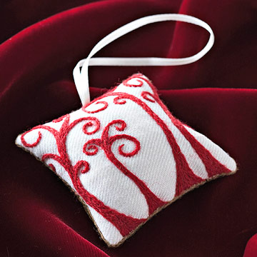 Embroider a Curly Cue Sachet Ornament
