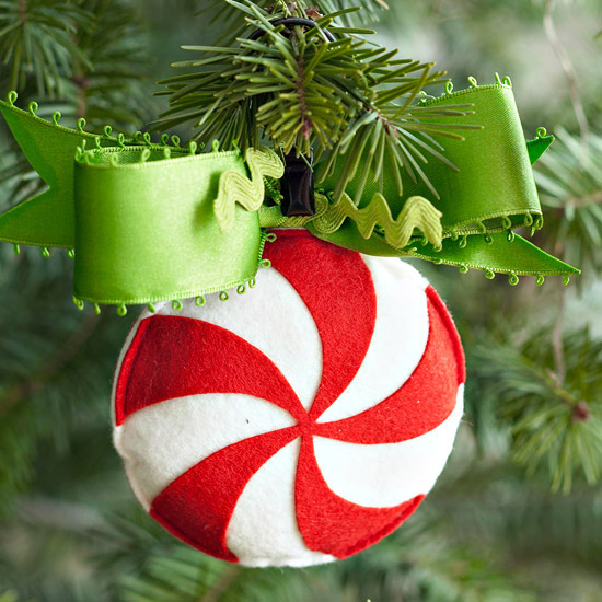 Create a Simple Peppermint Swirl Ornament