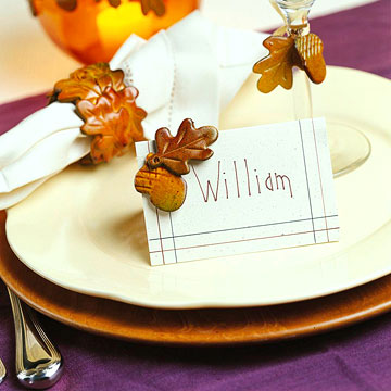 Trim a Thanksgiving Table with Acorn & Leaves