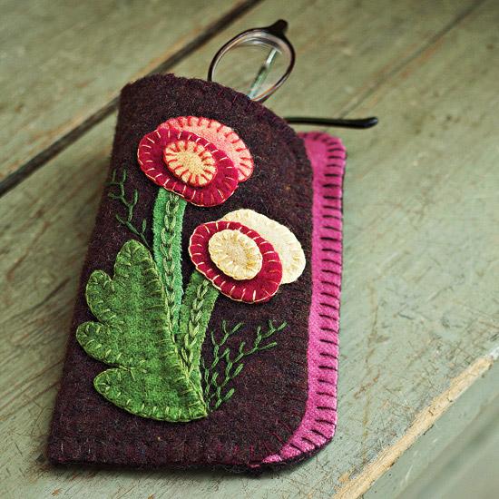 Stitch a Folk Art Glasses Case