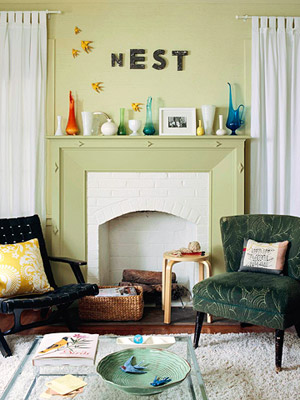 House Tours: Decorate With Vintage Finds