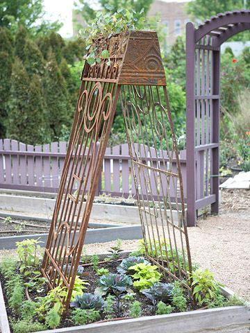 Create Country Charm: Make a Vintage Trellis