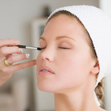 Fake a Full Night's Sleep: Makeup Tips for Tired Eyes