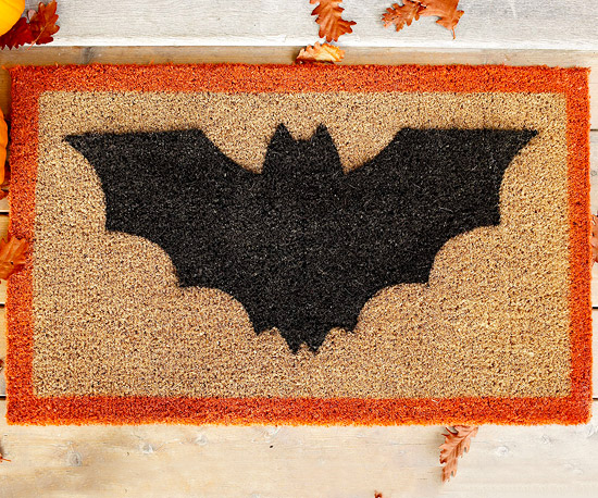 Make a Bat-Theme Doormat for Halloween