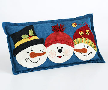 Sew a Felt Pillow with Three Snowmen for Christmas